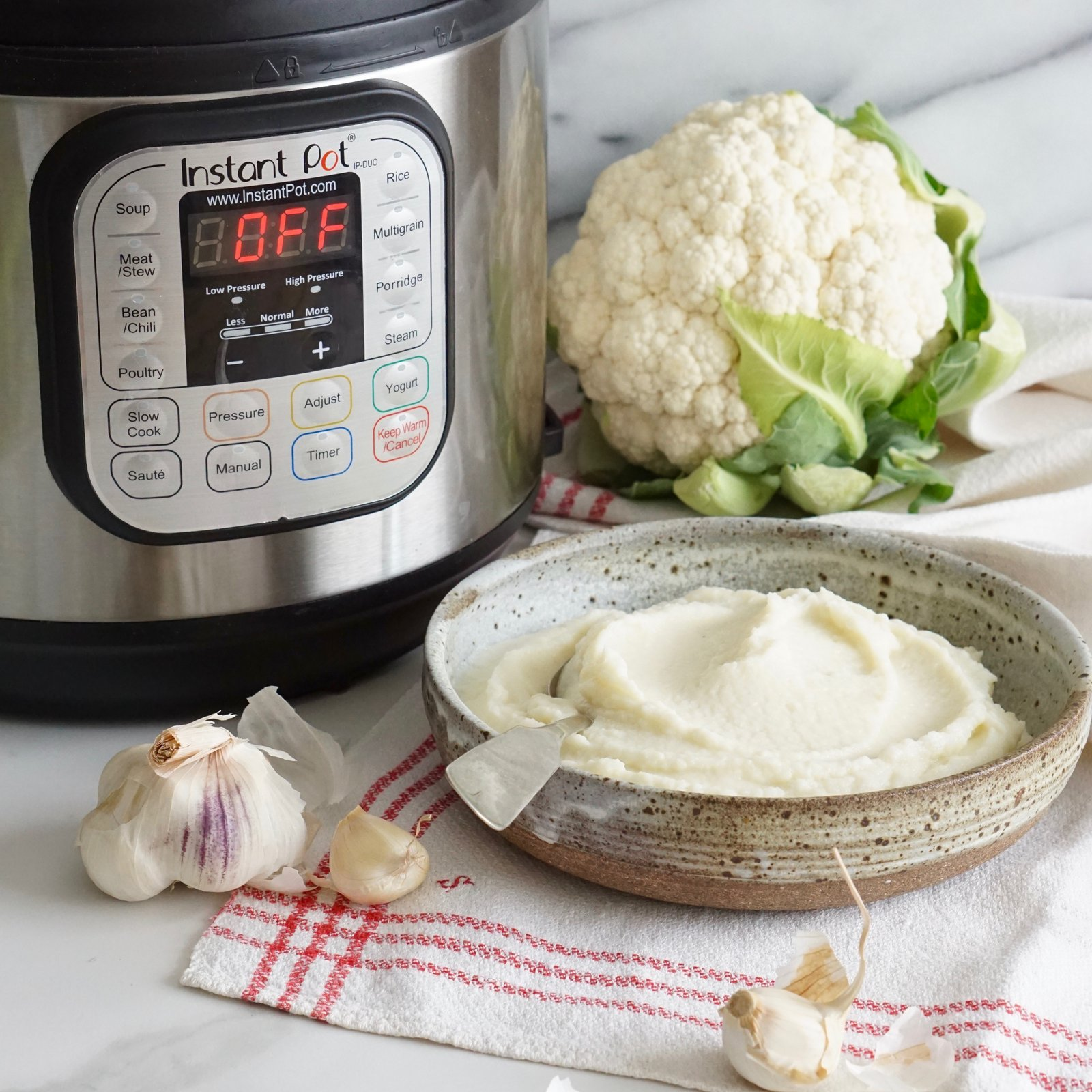 Instant Pot Garlic Mashed Cauliflower | Phoenix Helix
